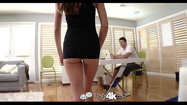 Bucetas linda secretaria vadia dando para seu chefe escondido