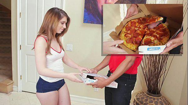 Sexo virgem vadia amadora transando com o entregador de pizza