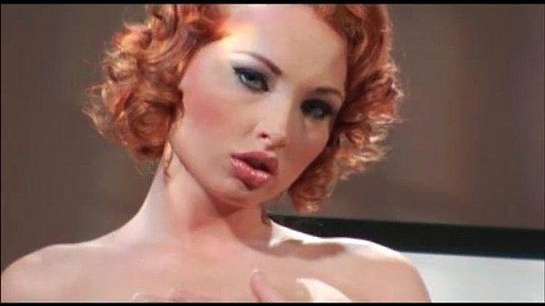Sofia nix ninfeta ruiva da buceta grande fodendo com seu parceiro